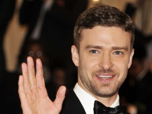 Justin Timberlake promoting flossing... now THAT makes me smile!