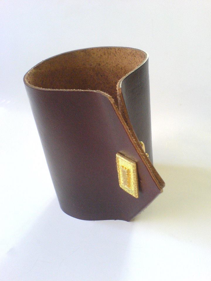 zoe p. classic leather cuff with cufflink