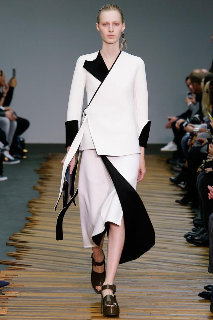 Céline, white two piece, reverse to black