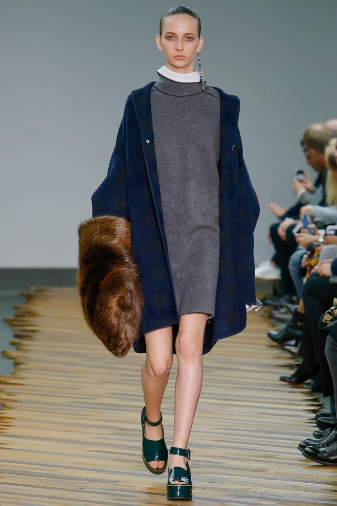 Céline, short gray and blue
