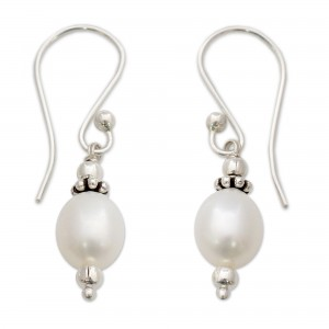 NOVICA pearl earrings, Destiny