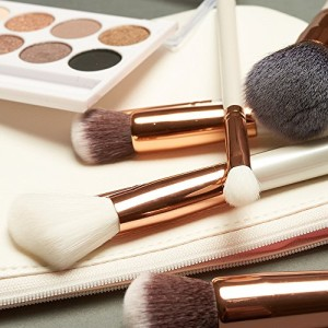 Beauty Widgets makeup brush set