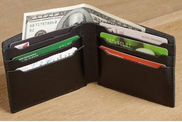 Stylish Wallet Makes A Great Graduation Gift