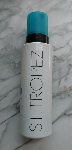 "St. Tropez self tan is easy to use and lets you extend your ""summer glow"" all fall long!"