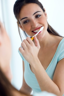5 tips to whitening teeth at home