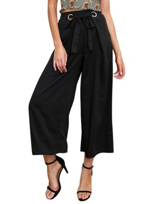 Palazzo pants from Simplee is right on trend for spring and only $20.99!
