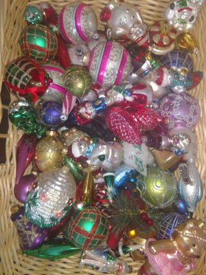 Christmas Decorating Inspiration: Old World Style Ornaments.